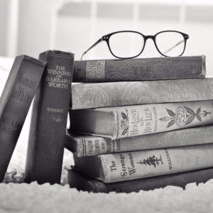 7 Great Ways to Treat Your Favorite Bookworm